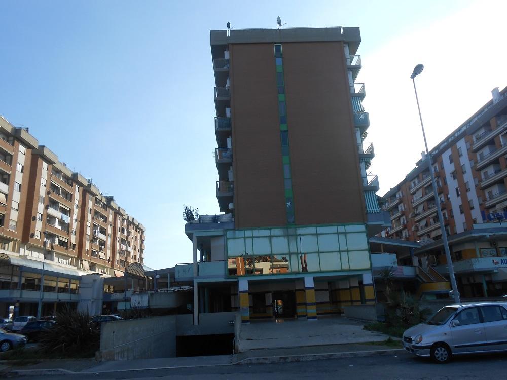 Trilocale con garage - Affari Immobiliari Latina